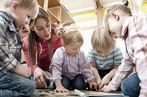 erzieherinnen-und-erzieher-als-paedagogische-fachkraefte-in-der-kindertagesstaette